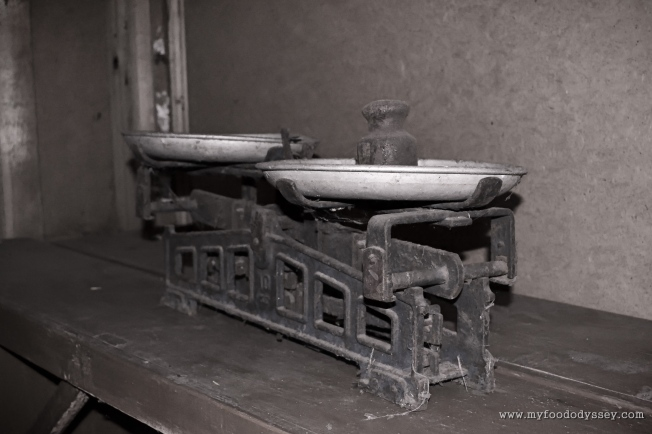Old-fashioned Weighing Scales | www.myfoododyssey.com