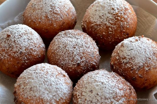 Curd Cheese Doughnuts (Varske Spurgos) | www.myfoododyssey.com