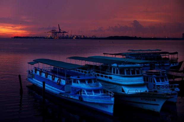 Sunset Boat Ride, Kochi (India) | www.myfoododyssey.com via www.keralatourism.org