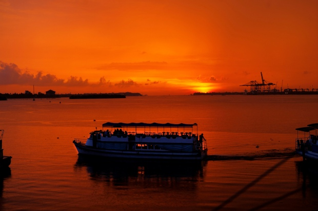 Sunset Boat Ride, Kochi (India) | www.myfoododyssey.com via www.keralatourism.org