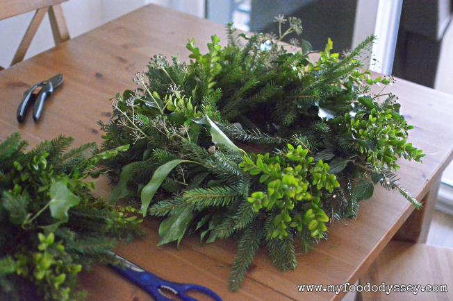 Homemade evergreen wreath | www.myfoododyssey.com